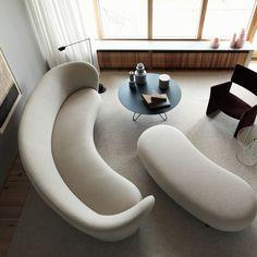 Un canapé design tout en courbes, Massproductions - Marie Claire Sofa Furniture, Sofa Chair, Living Room Furniture, Modern Furniture, Furniture Design, Canapé Design, The Design Files, Sofa Design, Deco Design