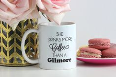 She Drinks More Coffee Than A Gilmore  / black di TheTrendySparrow
