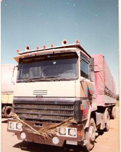 Expand Furniture, Old Lorries, Ford, Semi Trailer, Trucks And Girls, Middle East, Tractors, Cool Photos, Transportation