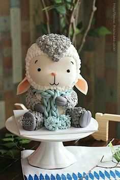 Cute lamb cake - just adorable! Pretty Cakes, Cute Cakes, Beautiful Cakes, Amazing Cakes, Cake Wrecks, Fondant Cakes, Cupcake Cakes, 3d Cakes, Buttercream Cake