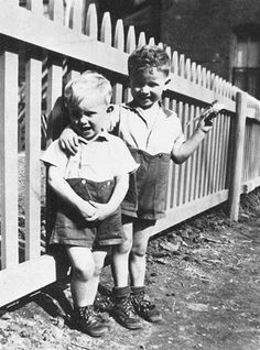 Phil and Don Everly as little kids phil left born Jan.19 1939 Don right born feb. 1. 1937  so adorable!!