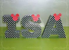 Letras corpóreas de papel. Mickey Mouse