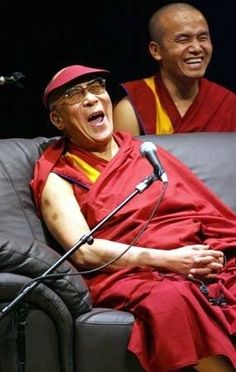 "Meet (or at least listen live to The Dalai Lama). In an excerpt from his book, ""my spiritual journey"", the dalai lama shares his belief in the surprising power of laughter and smiles to reach other people, even our enemies. Smile Face, Your Smile, Make Me Smile, Smiles And Laughs, All Smiles, Charlie Chaplin, Dalai Lama, Beautiful Smile, Beautiful People"