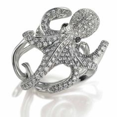 Octopus ring in white gold and diamonds