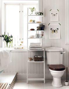 6 tips to decorate bigger with bookshelves - Inredningsvis Bad Inspiration, Bookshelf Inspiration, Home Decor Inspiration, Glass Bookshelves, Cheap Bookshelves, Cottage Bathroom Inspiration, Step Shelves, String Shelf, White Home Decor