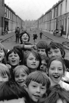 Students of Balkan Street School, Belfast 1969 Northern Ireland Troubles, Belfast Northern Ireland, Southern Ireland, Street Game, Creepy Kids, Belfast City, Michael Collins, Kingdom Of Great Britain, Irish Eyes