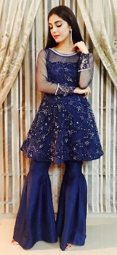 New Pakistani Designer Party Wear Frocks 2020 Pakistani Fancy Dresses, Pakistani Party Wear, Pakistani Wedding Outfits, Pakistani Dress Design, Pakistani Bridal, Indian Dresses, Party Wear Frocks, Party Wear Dresses, Wedding Dresses