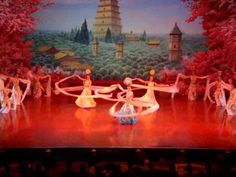 This is a must-see! Tang Dynasty Dinner Show - White Sleeve Dance