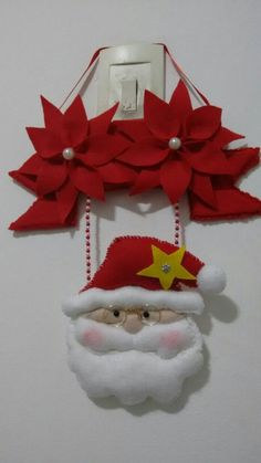 Transformes's media content and analytics Easy Christmas Ornaments, Burlap Christmas Tree, Christmas Picks, Felt Christmas Decorations, Christmas Pillow, Homemade Christmas, Christmas Projects, Simple Christmas, Christmas Holidays