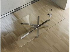 Table à manger rectangulaire en acier inoxydable et cristal SHANGAI | Table en acier inoxydable et cristal