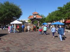 Downtown Winter Garden at the clock tower