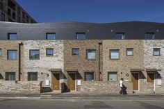 Image 1 of 51 from gallery of Highmead / Hawkins\Brown. Photograph by Tim Crocker