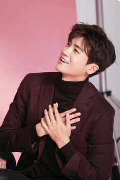 Strong Woman Do Bong-soon - An Min-hyuk (Park Hyung-sik) Park Hyung Sik, Strong Girls, Strong Women, Asian Actors, Korean Actors, Korean Drama, Kpop, Ahn Min Hyuk, Strong Woman Do Bong Soon