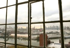 Dream life: the home of set designer Johanna Burke -- sunset over the East River and downtown Manhattan. Photograph by Grace Villamil.  From Freunde von freunden    london greenwich pub