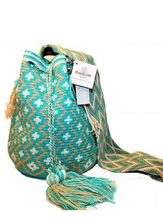 "Handcraft Trading ""Wayuu Mochilas"" here in the USA"