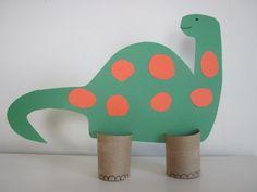 herbstbasteln mit kindern herbstdeko selber machen basteln mit klopapierrollen dinosaurier