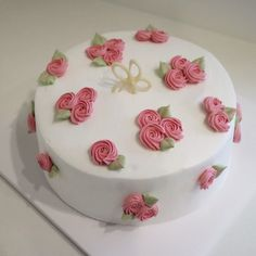 _  Fresh cream cake #nanacake second story #만원케익 #리본달린집 서면 #부산케이크 #수제케익 #cake#생크림케이크 #1단만원#2단2만원#모든1호사이즈케익만원  #만원의 행복 #오늘은 맛난저녁 먹을께요