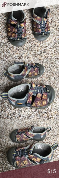 KEEN sandals Boys size 7 KEEN sandals. Good used condition. Lots of life left. Size tag is slightly worn off. Says U.K. SIZE 6 which converts to US size 7. Great water shoes! Must have for summer! Keen Shoes Sandals & Flip Flops