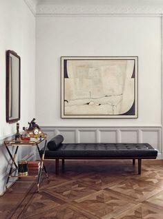 #interior #design #hardwoodfloor #chaiselong #daybed #art