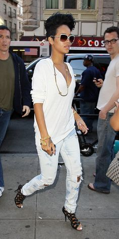 Rihanna. www.wearelse.com