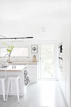 love photography winter beautiful white style vintage room bedroom design Home boho architecture bohemian Interior Interior Design Living Room house cosy cozy sleeping interiors decor decoration living deco Scandinavian design nordic scandinavian Interior Exterior, Kitchen Interior, Interior Design, Kitchen Decor, Color Interior, Kitchen Layout, Design Kitchen, Kitchen Ideas, Küchen Design