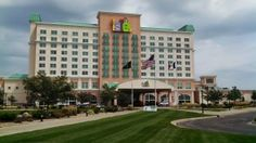The Isle Casino Hotel in Waterloo, Iowa. A land-based casino in Iowa. Great Places, Places Ive Been, Cedar Falls Iowa, Waterloo Iowa, Casino Hotel, Vacation Spots, Mansions, House Styles, City