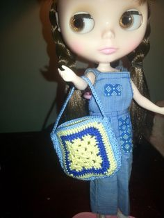 Crochet Bag for fashion doll (Blythe, Barbie, Pullip, any doll). $6.00, via Etsy.