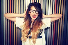 Zoella poses with her luscious long, ombre locks Zoella Hair, Zoella Beauty, Hair Beauty, Beauty Blogs, Bae, Zoe Sugg, Poses, Woman Crush, Ombre Hair