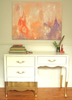 Gold accents are a festive and versatile way to introduce interest to your home's interior design - take a look: