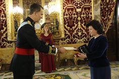 Presentación de Cartas Credenciales. Su Majestad el Rey Felipe recibe la Carta Credencial de la embajadora de la República de Letonia, Argita Daudze. Palacio Real de Madrid, 07.04.2016