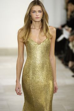 dc3349392cb like gold mixed with stardust poured over her body Fashion Moda