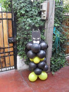 Pilar de globos con cara de Spiderman                                        Pilar de globos con c...