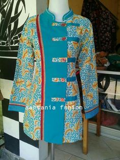 Blous batik Pakistani Fashion Party Wear, Pakistani Dresses Casual, Pakistani Dress Design, Blouse Batik, Batik Dress, Kurti Neck Designs, Blouse Designs, Batik Muslim, Mode Batik
