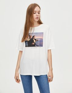 White Titanic T-shirt with a freeze-frame from the film on the chest, short sleeves and a round neckline. Made of cotton. Cool T Shirts, Tee Shirts, Titanic, Short Sleeves, Bear, T Shirts For Women, Cotton, Outfits, Clothes