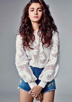 Alia Bhatt Harper's Bazaar magazine July 2015 Designer Bollywood style clothing Indian Celebrities, Bollywood Celebrities, Bollywood Fashion, Bollywood Actress, Bollywood Stars, Bollywood Mode, Bollywood Girls, Rock Look, Mumbai
