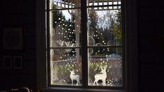 Det är mörkt ute. Fönstren gapar som svarta hål. Dags att plocka fram fönstertuschen och skapa fantasifulla mönster som piggar upp! Window Markers, Christmas Diy, Christmas Decorations, Gold Paint, Reading Nook, Concrete Floors, Diy Projects To Try, Exterior, Windows