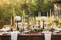 white Thanksgiving tablescape