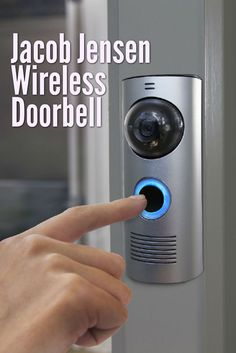 Why should a smart doorbell look just like any other doorbell? That's certainly not what Jacob Jensen is doing with its new wireless product. What we have here is the doorbell that science fiction writers dream of, at least when it comes to looks and first impressions.