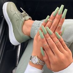 Shared by 𝑀𝒶𝓂𝒾 𝒬𝓊𝑒𝑒𝓃. Find images and videos about fashion, nails and inspiration on We Heart It - the app to get lost in what you love. Summer Acrylic Nails, Best Acrylic Nails, Acrylic Nail Designs, Acrylic Nails Green, Summer Nails, Colourful Acrylic Nails, Stylish Nails, Trendy Nails, Milky Nails