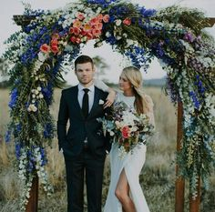 Having a perfect wedding arch is as important as choosing the right wedding dress, because it is in front of this arch that many magic and touching moments occur. An amazing flower wedding arch will make this moment even more memorable. Farm Wedding, Boho Wedding, Floral Wedding, Wedding Ceremony, Wedding Flowers, Dream Wedding, Wedding Backyard, Ceremony Arch, Outdoor Ceremony