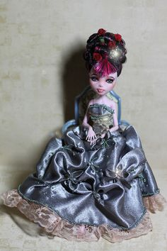 custom Draculaura & dress