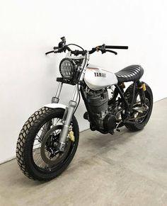 Gorgeous SR by 👍 (en Chicago, Illinois) - MyMot - Motorrad Tracker Motorcycle, Scooter Motorcycle, Scrambler Motorcycle, Moto Bike, Motorcycle Style, Motorcycle Design, Bike Design, Motor Scrambler, Cafe Racer Honda