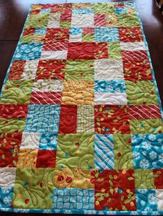 quilt+table+runner | Quilted Christmas Table Runner.