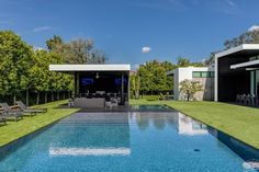 Ponce Davis Residence by Choeff Levy Fischman