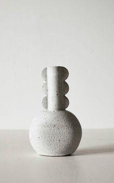 Vases Home Decor : vessel -Read Ceramic Pots, Ceramic Pottery, Slab Pottery, Thrown Pottery, Earthenware, Stoneware, Sculptures Céramiques, Ceramic Sculptures, Porcelain Vase