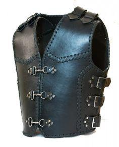 Изготовление байкерский жилетов Броня на заказ. Motorycle heavy leather vest. Made to order.