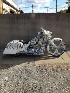 "Detroit Choppers. Custom bagger with a 26"" front wheel. http://media-cache0.pinterest.com/upload/501588477218024392_9TgB7LN7.jpg"