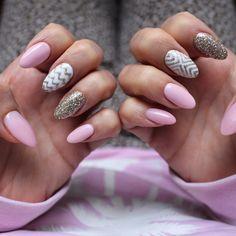 New nails! Love love love! #YOLO #nails #nailpolish #nailart #pinkwhitegold…