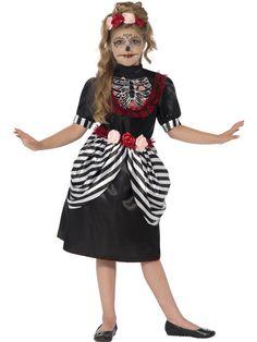Sugar Skull-neitonen. Tämä tyttöjen naamiaisasu on sekä kaunis että trendikäs ja ehdottomasti Halloween-teemaan sopiva. Sugar Skull, Day Of The Dead, Lady, Vintage, Costume Ideas, Roses, Woman, Fashion, Alice Band