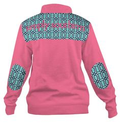 This limited edition pullover from Simply Southern screams preppy and keeps you warm while doing it. This tots adorbs pullover features a zipper on the front and is perfect for monogramming! This pullover is true to size. Simply Southern Shirts, Southern Outfits, Southern Prep, Kinds Of Clothes, Clothes For Women, Monogram Pullover, Preppy Fall Outfits, Preppy Girl, Thing 1